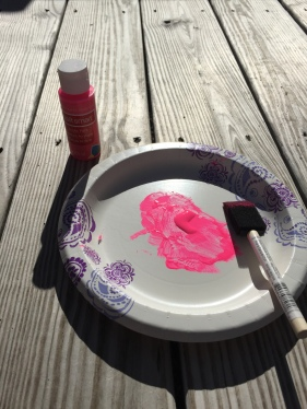paper plate and craft paint